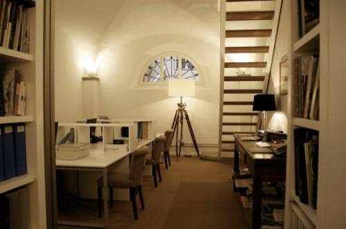 Postazioni di lavoro in coworking al Cowo Firenze/Pitti
