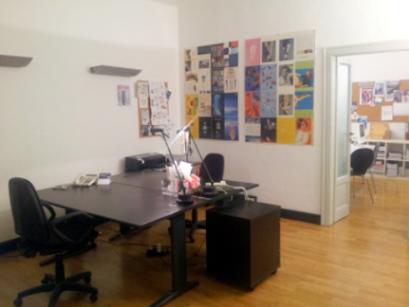 Postazione di lavoro con scrivani in affitto a Milano, al Cowo di via Milazzo